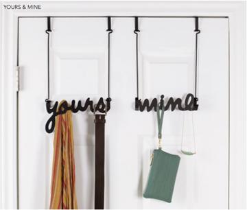 Imagen de Ganchos sobre puerta negro YOURS & MINE