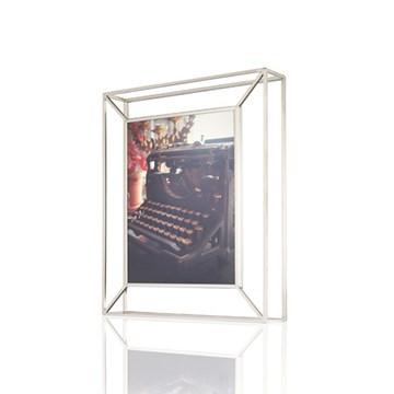 Imagen de Portarretratos 20x25 nickel MATRIX UMBRA